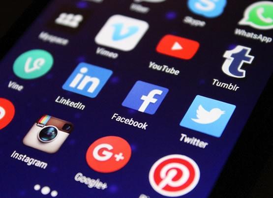 Secrets pour se rendre plus populaire sur les réseaux sociaux: quand le respect du style de taille fait la promotion de votre page